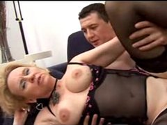 Carlo Boss - Italian mature mom Likes It Big
