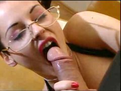 Bitch In Latex Gives A Lesson To Her Inexperienced Learner