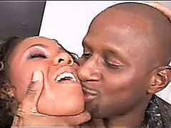 BeauTiFuL EboNy PuRSuaJon GeTs BBC AnaLLy WhiLe WeaRinG VeRy Sexy OuTFiT!