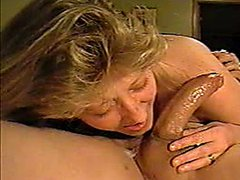 Sexy amateur milf babe give awesome blowjob