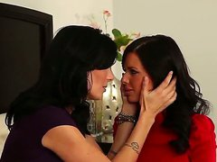Veronica Avluv and Zoey Holloway are