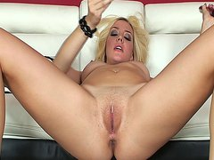 Delicious blonde solo babe fucking her tight ass with her favorite dildo