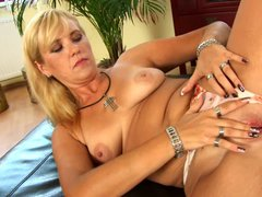 Blonde haired MILF Doreen loves to please herself in solo