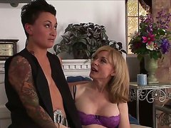Mature lesbians Nina Hartley and Syd