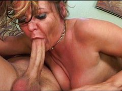 Hungry mature cougar on the hunt
