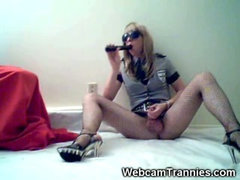 Police Crossdresser on Cam!