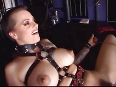 Slave Belladonna gets all pumped up
