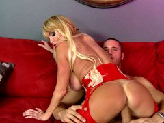 British milf taylor wane's late night booty call